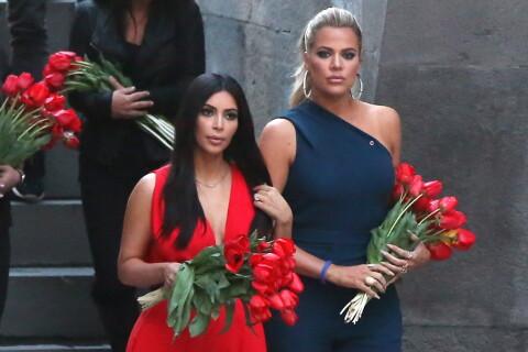 Kim Kardashian sublime en rouge avec Kanye West et Khloé en Arménie