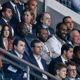 Mélita Toscan du Plantier, Monica Bellucci, Teddy Riner, Didier Deschamps lors de la rencontre entre le Paris Saint-Germain et le FC Barcelone en quart de finale de la Ligue des champions, le 15 avril 2015 au Parc des Princes à Paris