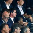 Anne Hidalgo, Manuel Valls, Nasser Al-Khelaifi et Nicolas Sarkozy lors de la rencontre entre le Paris Saint-Germain et le FC Barcelone en quart de finale de la Ligue des champions, le 15 avril 2015 au Parc des Princes à Paris