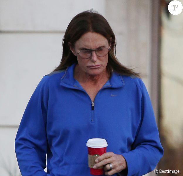 EXCLUSIF - Bruce Jenner le jour de Noël dans les rues de Los Angeles, le 25 décembre 2014