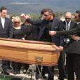 Les obsèques de Richard Anthony, le vendredi 24 avril 2015, à Cabris (Alpes-Maritimes), les adieux d'Alexandre et Cédric Anthony deux de ses fils.