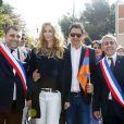 Adriana Karembeu et son mari André (Aram) Ohanian, radieux, assistent à la commémoration du centenaire du Génocide Armenien à Marseille, le 24 avril 2015