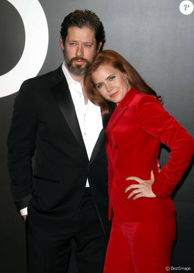 Amy adams et son mari darren le gallo au d fil tom ford automne hiver pour femme los angeles - Charlotte de turckheim et son mari ...