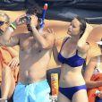 Sofia Hellqvist, fiancée du prince Carl Philip de Suède, en vacances avec lui à Ibiza en juillet 2014. C'est ce même bikini qu'elle portait fin avril 2015 lors de son enterrement de vie de jeune fille sur les rives du lac Mälar.