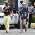 """Zac Efron avec Robert de Niro sur le tournage de """"Dirty Grandpa"""" à Tybee Island en Georgie, le 27 avril 2015"""