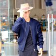 Justin Bieber est allé déjeuner avec sa petite soeur Jazmyn, Kendall Jenner et Hailey Baldwin à Los Angeles, le 23 avril 2015