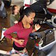 Zoe Saldana a du mal à perdre le poids accumulé pendant sa grossesse, avril 2015