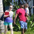 Alfonso Ribeiro, sa femme Angela Unkrich et leur fils Alfonso Lincoln Ribeiro, Jr. passent des vacances en famille à Hawaii, le 6 décembre 2014
