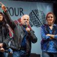 """Zineb El Rhazoui et Patrick Pelloux de Charlie Hebdo - Reporters Sans Frontières (RSF) organise pour ses 30 ans """"Un concert pour la liberté"""" pour célébrer la Journée Mondiale de la Liberté de la Presse sur la place de la République à Paris, le 3 mai 2015."""
