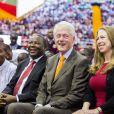 """"""" Bill et Chelsea Clintonont assisté à un congrès du programme The Wings to Fly et ont rencontrés des étudiants, au Kenya pour la Fondation Clinton, le 2 mai 2015  """""""