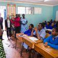 """""""Visite de l'ex président Bill Clinton en Afrique. Sa fille Chelsea est venue le rejoindre et ensemble, ils ont visité une école et une maternité a Nairobi au Kenya le 1er Mai 2015"""""""