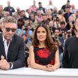 "Matteo Garrone, Salma Hayek, Vincent Cassel - Photocall du film ""Tale of Tales"" lors du 68e Festival International du Film de Cannes, le 14 mai 2015."