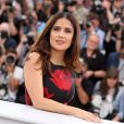 "Salma Hayek (robe Alexander McQueen) - Photocall du film ""Tale of Tales"" lors du 68e Festival International du Film de Cannes, le 14 mai 2015."