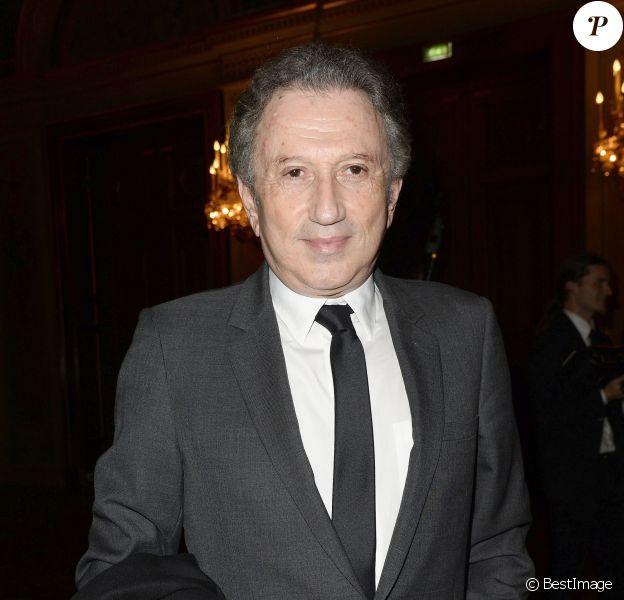 Michel Drucker - La 20e cérémonie des Lauriers de la Radio et de la Télévision à l'Hôtel de ville de Paris, le 16 février 2015.