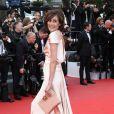 """La belle Inès de la Fressange - Montée des marches du film """"Irrational Man"""" (L'homme irrationnel) lors du 68e Festival International du Film de Cannes, à Cannes le 15 mai 2015."""