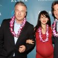 Alec Baldwin, Hilaria Baldwin et Cameron Crowe lors d'une projection spéciale du film Aloha présentée par la Columbia Pictures et la Regency Enterprises en association avec LSTAR Capital and Ratpac Entertainment à New York, le 20 mai 2015