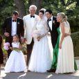 """Exclusif - Casey Wilson et David Caspe se sont mariés lors d'une cérémonie de intime au Ojai Valley Inn à Ojai, le 25 mai 2014. C'est le frère de Casey Wilson qui les a mariés selon les rites juifs du mariage devant 170 invités. Les acteurs de """"Happy Endings"""" Elisha Cuthbert, Eliza Coupe, Adam Pally, Zachary Knighton, Damon Wayans Jr et Abby Elliot étaient tous présents."""