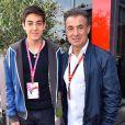 Jean Alesi et son fils Giuliano dans le paddock du Grand Prix de Monaco durant les essais du 23 mai 2015