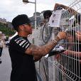 Lewis Hamilton dans le paddock du Grand Prix de Monaco durant les essais du 23 mai 2015