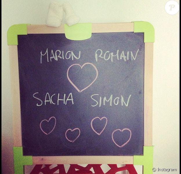 Romain Grosjean et son épouse Marion Jollès-Grosjean ont annoncé la naissance de leur second enfant, Simon, sur les réseaux sociaux - photo publiée sur Instagram le 18 mai 2015