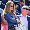 Kim Sears (Kim Murray) - People dans les tribunes des Internationaux de France de tennis de Roland-Garros le 3 juin 2015.