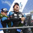Patrick Dempsey, en extase après avoir terminé à la seconde place des 24 Heures du Mans en catégorie GT Am, le 14 juin 2015 au Mans, sur le Circuit des 24 Heures