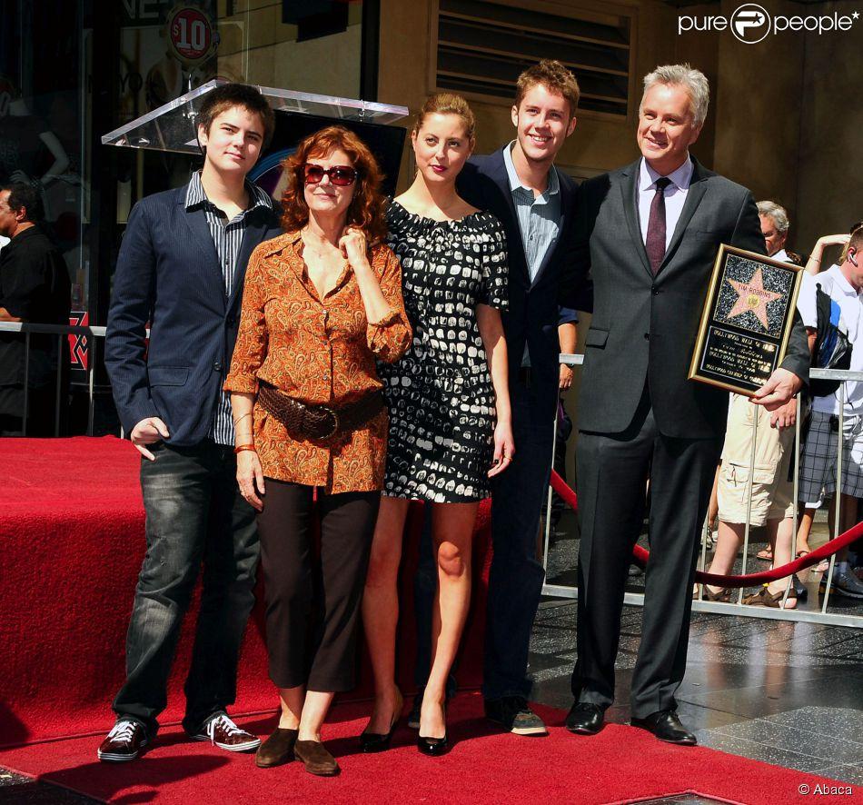 Susan Sarandon et Tim Robbins avec leurs enfants Miles Robbins, Eva et Jack à Los Angeles le 10 octobre 2008
