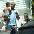 Exclusif - Donald Faison, sa femme CaCee Cobb et leurs enfants Wilder et Rocco - La famille Simpson réunie pour une fête d'anniversaire à Hollywood, le 20 juin 2015.
