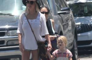 Jessica Simpson, son mari et leurs filles, complices devant Ashlee très enceinte