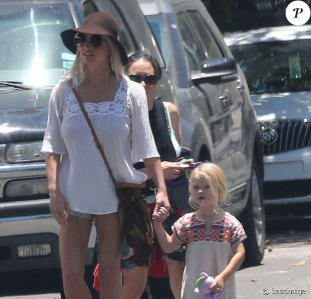 Exclusif - Jessica Simpson et sa fille Maxwell - La famille Simpson réunie pour une fête d'anniversaire à Hollywood, le 20 juin 2015.
