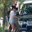 Exclusif - Jessica Simpson et son mari Eric Johnson - La famille Simpson réunie pour une fête d'anniversaire à Hollywood, le 20 juin 2015.
