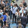 Michaël Llodra, Laura Flesse, Nathalie Péchalat et Jean-Paul Huchon sur les quais de Seine à Paris le 23 juin 2015 à l'occasion de la candidature de la France à l'organisation des Jeux olympiques de 2024