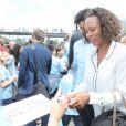 Laura Flessel sur les quais de Seine à Paris le 23 juin 2015 à l'occasion de la candidature de la France à l'organisation des Jeux olympiques de 2024