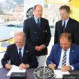 "Le prince Albert II de Monaco lors de l'inauguration du yacht ""Yersin"" à Monaco le 20 juin 2015."