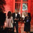 Exclusif - Elsa Fayer accueille le binôme Maï et Shake dans la cour de la maison La Minotte, sur le tournage de l'émission  Qui veut épouser mon fils ?  saison 4, en février 2015.