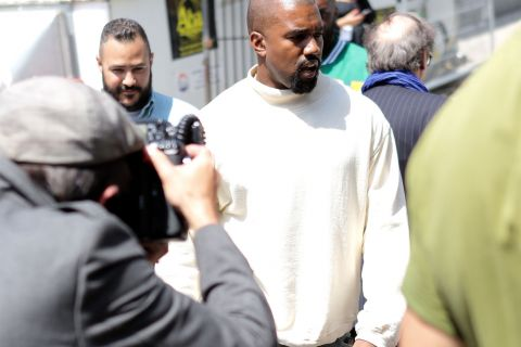 Fashion Week : Kanye West, modeux solitaire à Paris