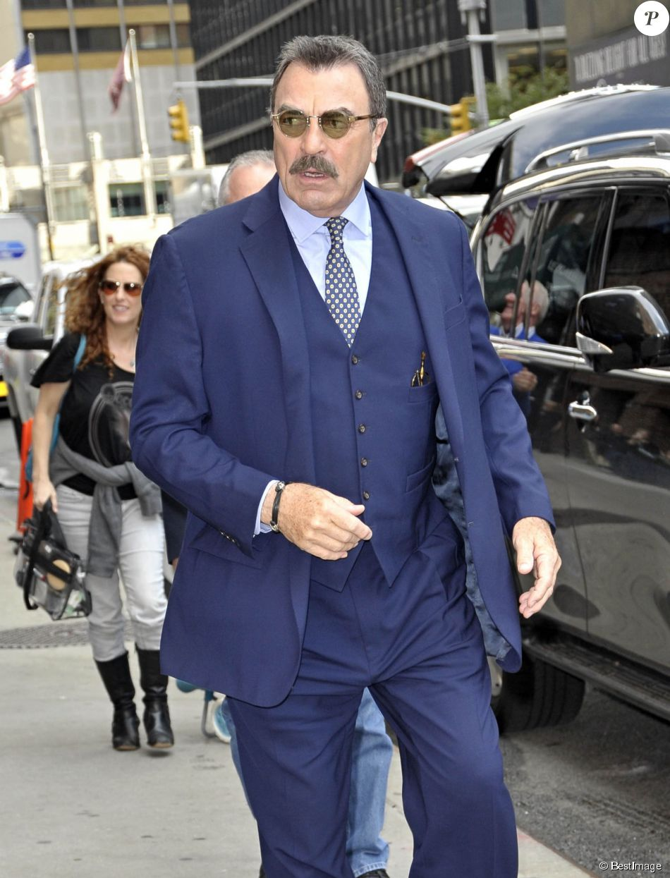 "Tom Selleck arrive à l'émission ""The Late Show With David Letterman"" à New York, le 16 octobre 2014"