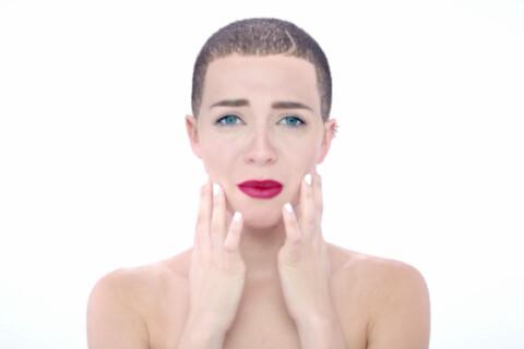 Drake : Il se glisse dans la peau de Miley Cyrus, Justin Bieber et Kanye West