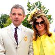 Rowan Atkinson et sa femme Sunetra à Chichester le 2 août 2012.