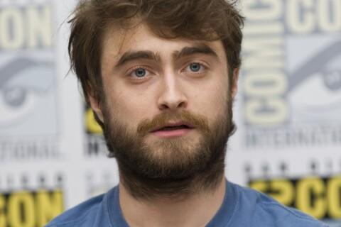 Daniel Radcliffe et ses 'fesses de l'année' en soirée avec 3 belles créatures