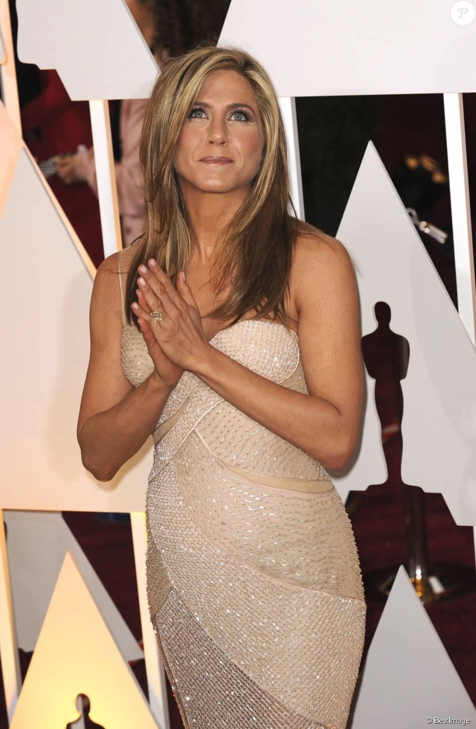 Jennifer Aniston La Robe De Son Mariage Avec Justin