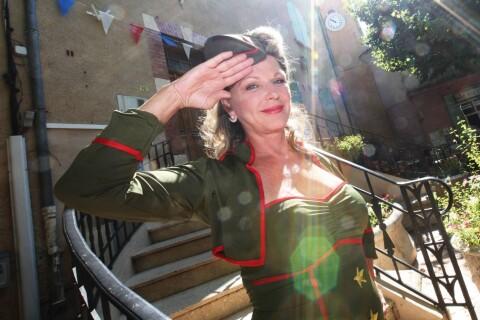 Jeane Manson : Surprenante militaire pour son retour sur scène !