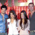 Miguel Angel Munoz, Monica Cruz, Beatriz Luengo et Pablo Puyol à la présentation de la tournée de leur groupe UPA Dance, à Madrid, le 23 avril 2004.