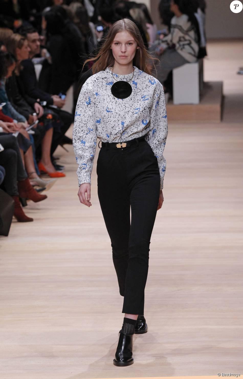 d fil de mode carven collection automne hiver 2015 2016 lors de la fashion week paris le 5. Black Bedroom Furniture Sets. Home Design Ideas