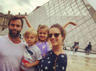 Alessandra Ambrosio : A Paris en famille, elle joue la touriste !