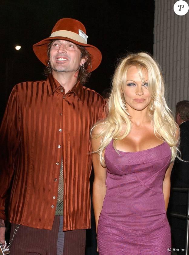 Pamela Anderson et Tommy Lee à Los Angeles, le 20 octobre 2003.