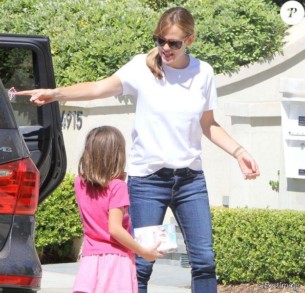 Jennifer Garner avec sa fille Seraphina à Santa Monica Los Angeles, le 30 Août 2015