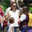 Exclusif - Ben Affleck et Jennifer Garner font l'effort d'amener leurs enfants à Disneyworld au lendemain de l'anniversaire de Ben à Orlando le 16 août 2015.
