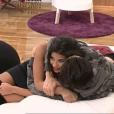 Alia et Ali de plus en plus calins dans Secret Story 9