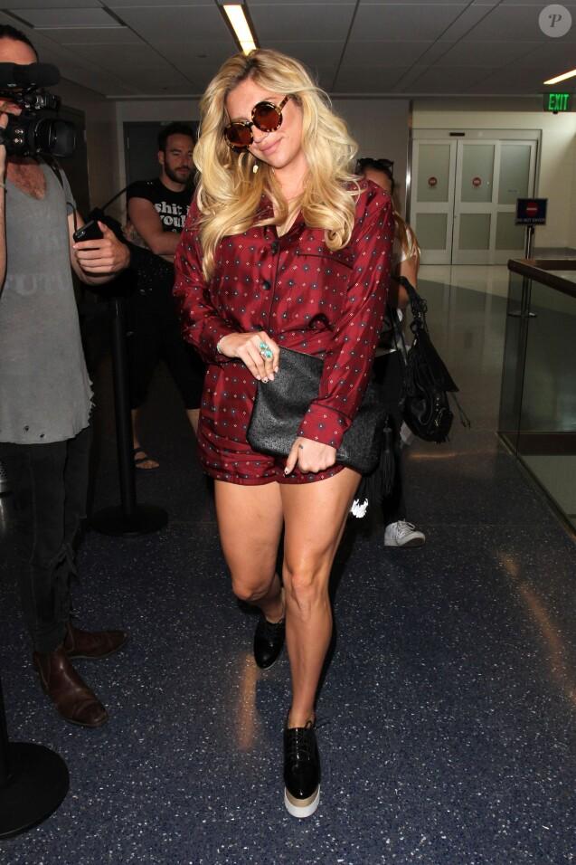 Kesha à l'aéroport de Los Angeles, le 10 septembre 2015